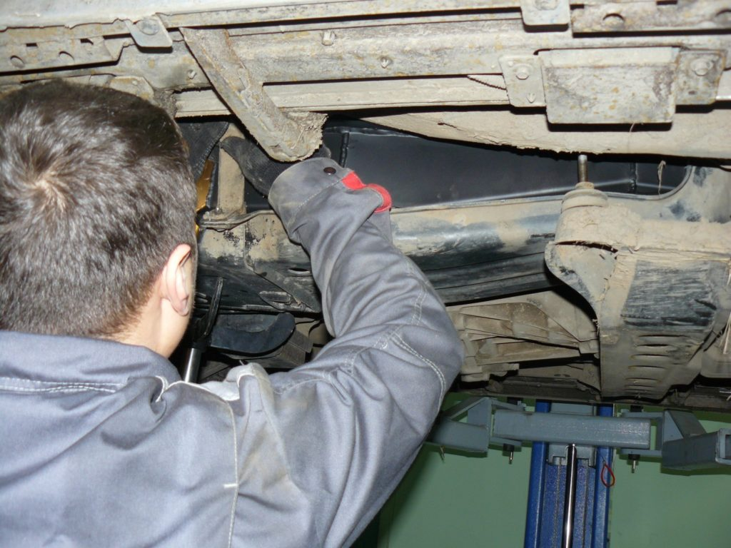 ремонт трубопровода авто
