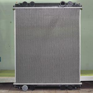 Радиатор 23018 FREIGHTLINER
